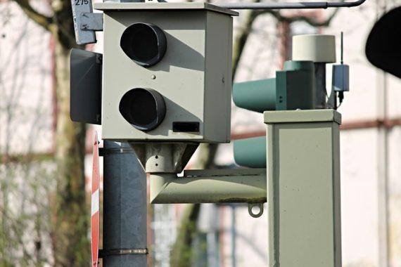Blitzgerät zur Geschwindigkeitsmessung